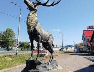 Фото Скульптура Олень в Ростове Великом