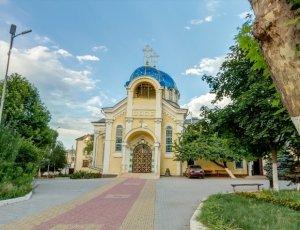 Фото Свято-Успенский Кафедральный собор в Махачкале