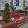Фото Памятник Расулу Гамзатову в Махачкале 6