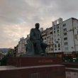 Фото Памятник Расулу Гамзатову в Махачкале 4