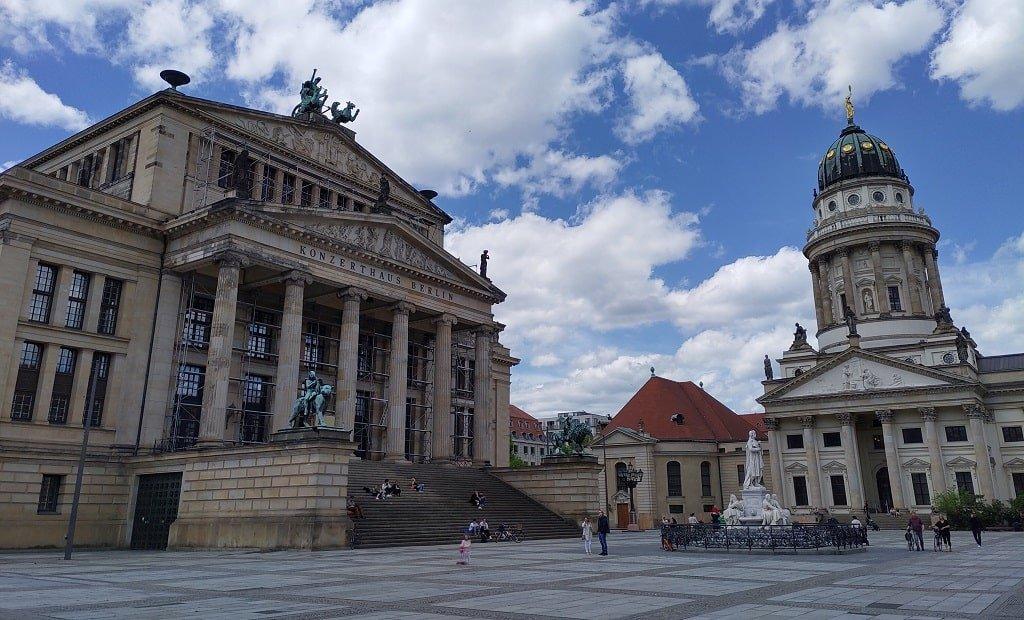 Здание Берлинского драматического театра