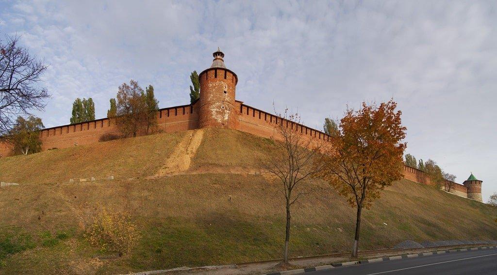 Панорамный вид на Тайницкую башню Нижегородского кремля